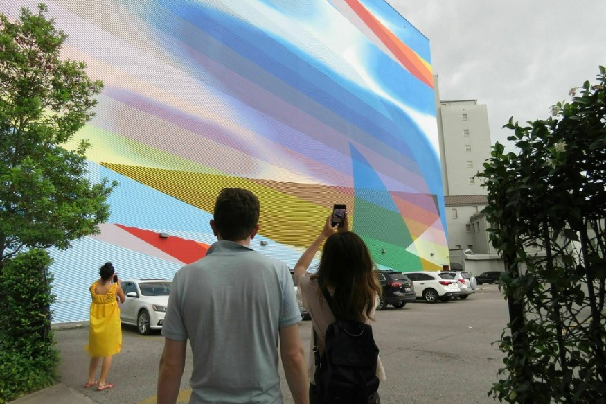 Artist asks student ideas for New Orleans mural